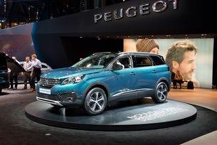 В крак с модата: Превърнаха Peugeot 5008 в кросоувър