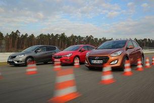Opel Astra срещу Hyundai i30 и Nissan Pulsar
