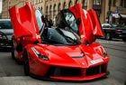 Хибридното купе LaFerrari постави рекорд на аукцион