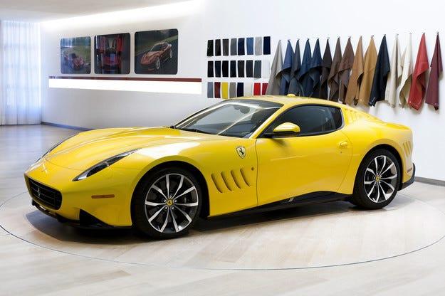 Ferrari SP 275 RW Competizione напомня за Льо Ман