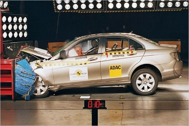 Краштест: Mercedes C-класа