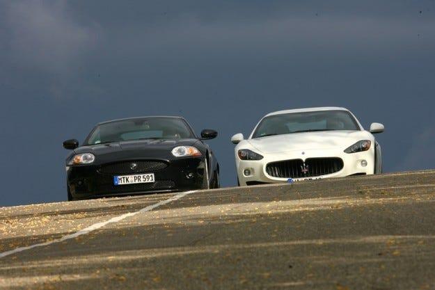 Jaguar XKR-S срещу Maserati Gran Turismo S