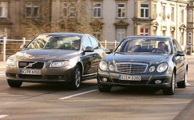 Mercedes E 280 срещу Volvo S80