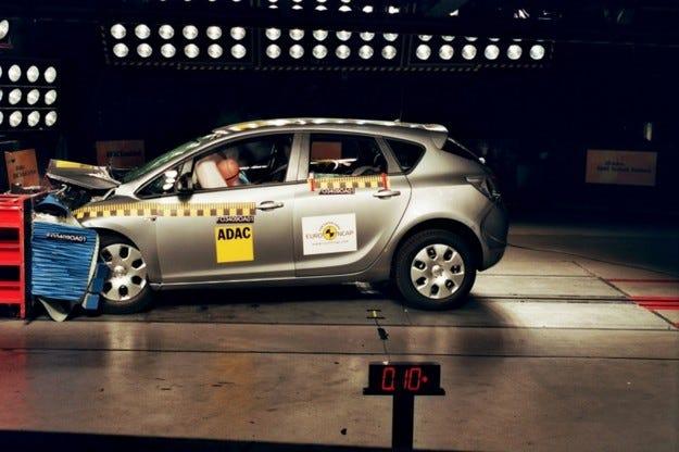Opel Astra краштест