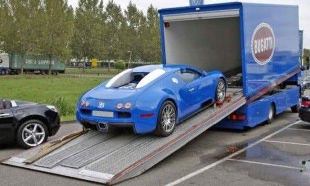 Bugatti Veyron & Mercedes Atego