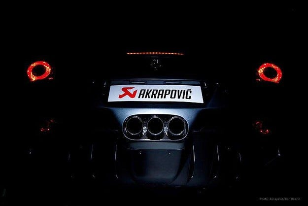 Ferrari 458 Italia Akrapovic EST