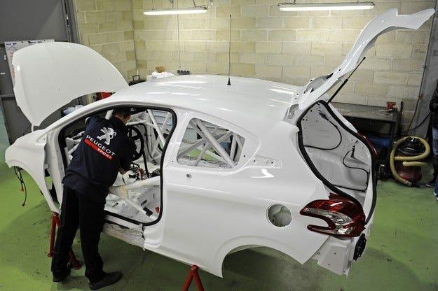 Peugeot 208 R4T