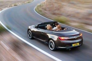 Две премиери за България на щанда на Opel