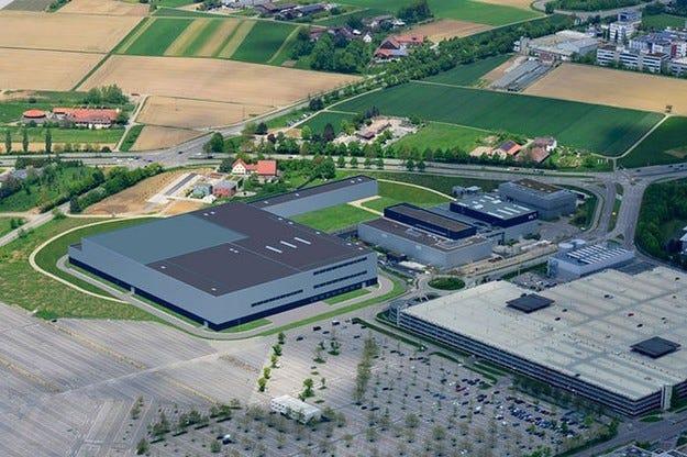 Daimler с нов технологичен център през 2016 година