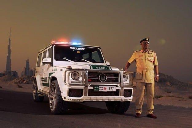 Brabus B 63 S за полицията в Дубай