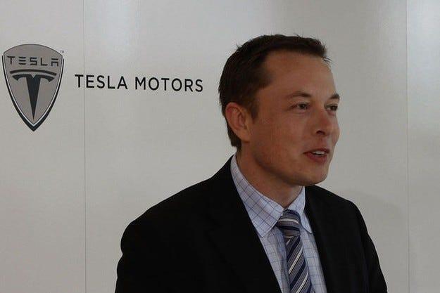 Apple купува Tesla?