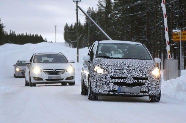 Променена Opel Corsa на зимни тестове