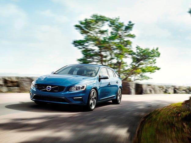 Шведите подготвиха спортен пакет за хибрида Volvo V60