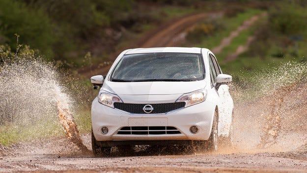 Nissan тества технологията Ultra-Ever Dry