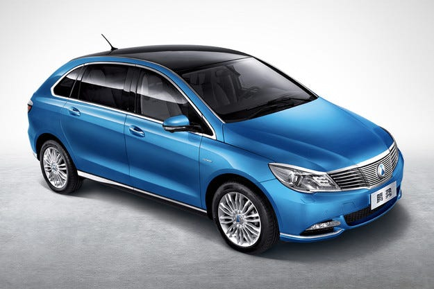 Daimler показа най-евтиния електромобил с пробег 300 км