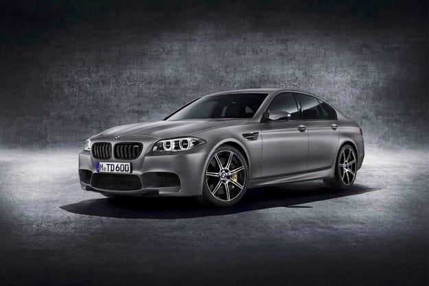 """Край на слуховете:  Разкриха BMW M5 """" 30 Jahre M5"""""""