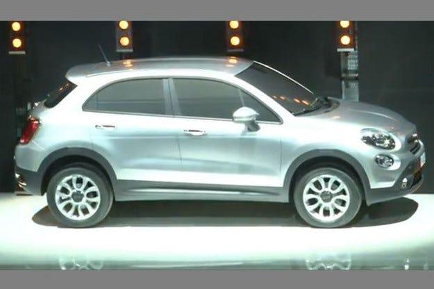 Компактният всъдеход Fiat 500X стартира още през 2014