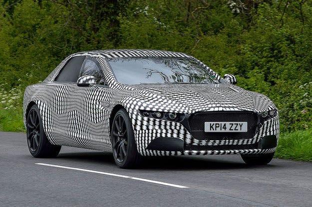Прототипът Aston Martin Lagonda на пътни изпитания