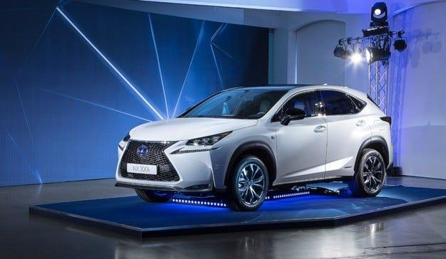 Lexus NX ще мери сили с немските премиум SUV модели
