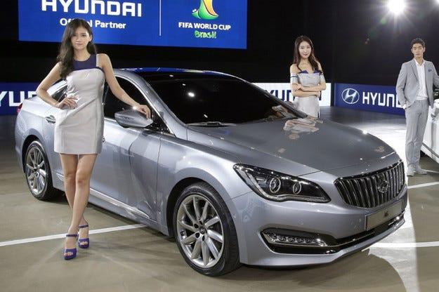 Новият луксозен седан на Hyundai дебютира в Южна Корея