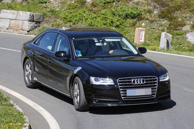 Новият Audi A8: Луксозен лайнер от 2016