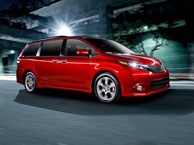 Леки козметични промени за минивана Toyota Sienna