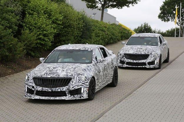 Топ моделът Cadillac CTS-V атакува AMG и M ООД
