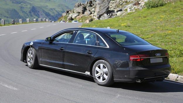 Новият седан Audi A8 ще получи платформата MLB Evo