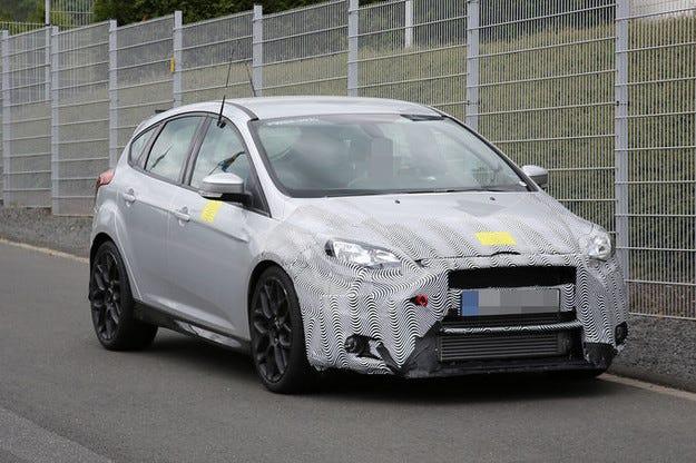 Ford Focus RS: Нова атака с 330 к.с. напред