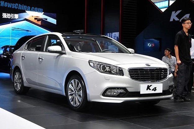 Kia представи новия седан K4 на салона в Ченду