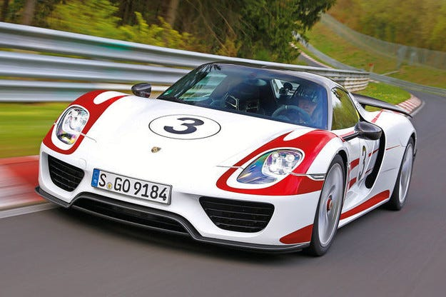 Извънредна сервизна кампания за Porsche 918 Spyder