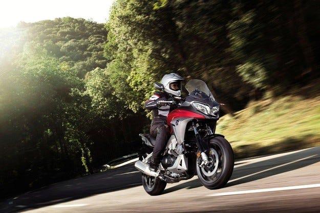 Представиха новия Honda VFR800X Crossrunner 2015