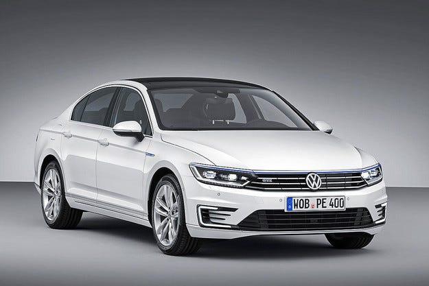 Volkswagen Passat вече притежава хибридна версия
