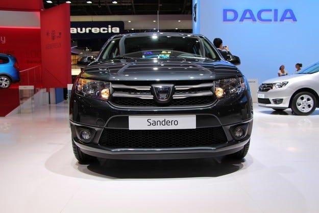 Специално издание Dacia Sandero Black Touch в Париж
