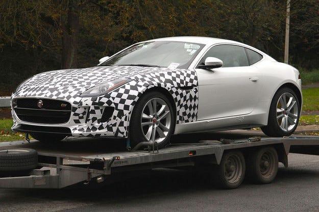 Новият Jaguar F-Type със задвижване на всички колела