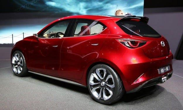 Още подробности за новата Mazda 2 преди 2015 г.