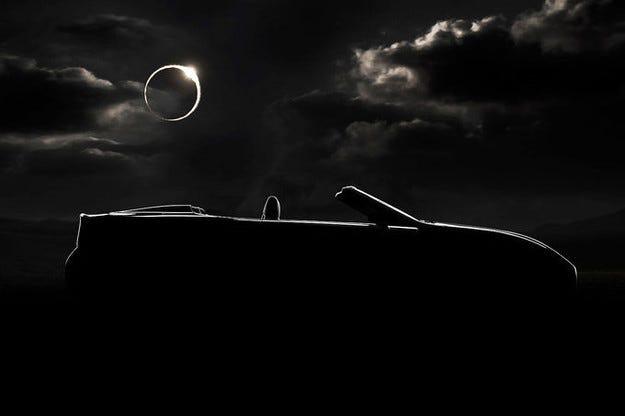 Роудстърът Lexus LF-C2 дебютира в Лос Анжелис