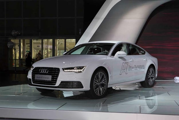 """Водородният Audi A7 ускорява до """"сто"""" за 7,9 секунди"""