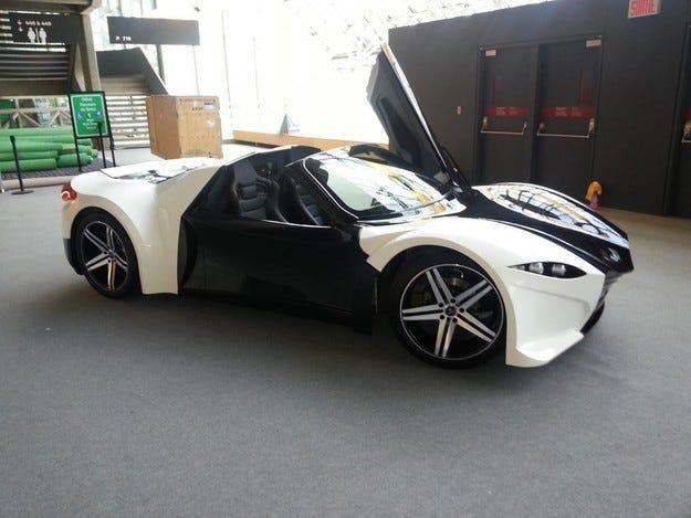 Представят първия канадски супер автомобил през 2016 г.