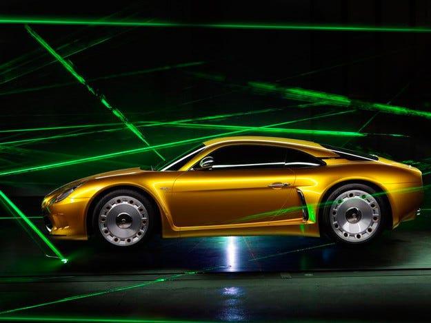 В Италия представиха нов автомобил за 380 хил. евро