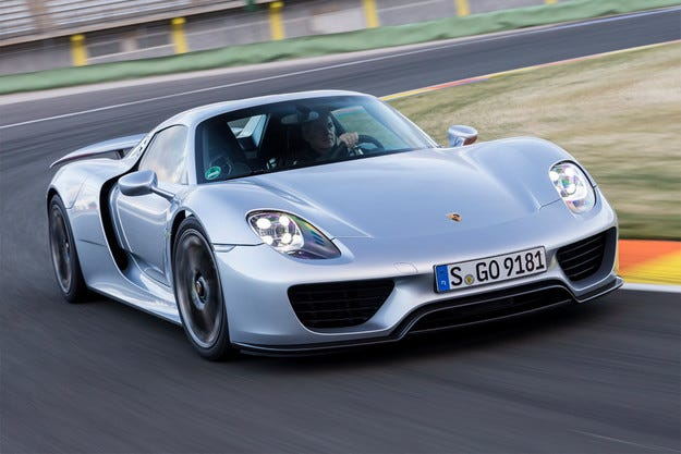 Porsche изтъргува всички екземпляри 918 Spyder