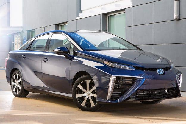 Toyota разкри подробности за водородния Mirai