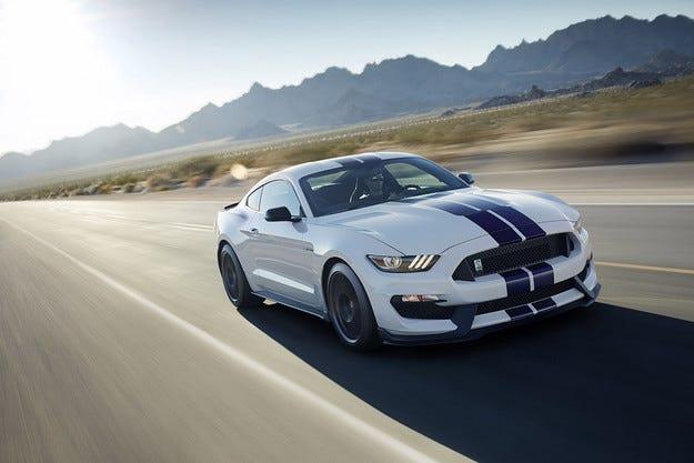Тестват Shelby GT350 Mustang при ниски температури
