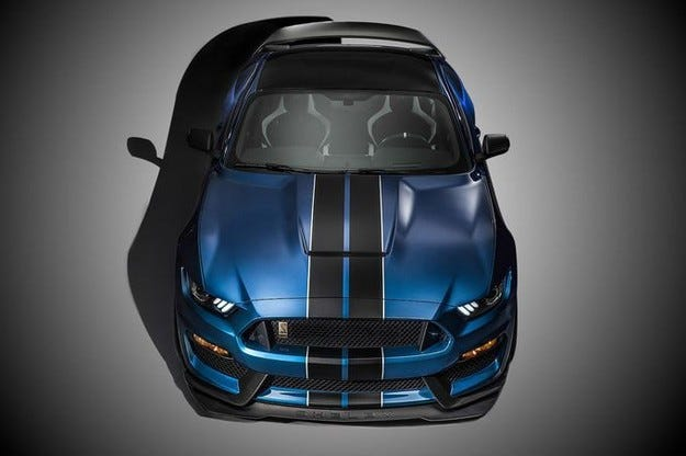 Ford Mustang Shelby GT 350R с повече от 500 к. с.
