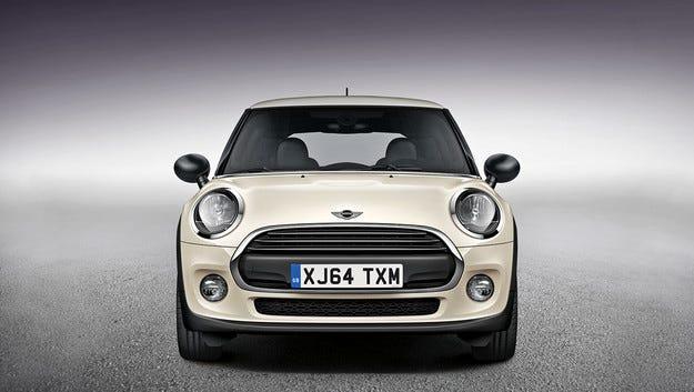 Британският хечбек Mini получава нова базова версия
