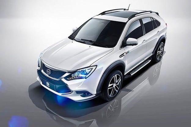 BYD Tang Hybrid SUV: Наполовина електрически