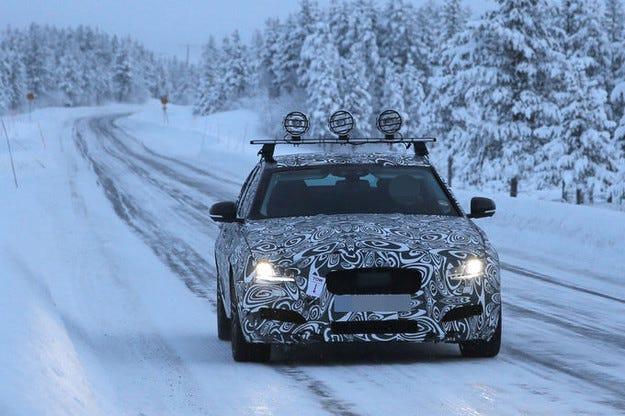 Последни зимни изпитания на новото поколение Jaguar XF
