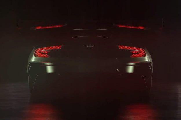 Aston Martin представя в Женева спортния автомобил Vulcan