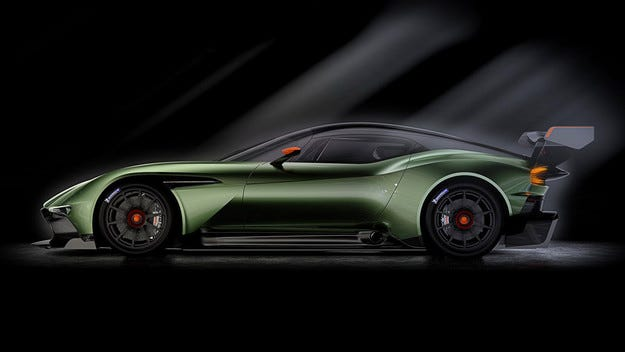 Aston Martin показа предпремиерно пистовия Vulkan