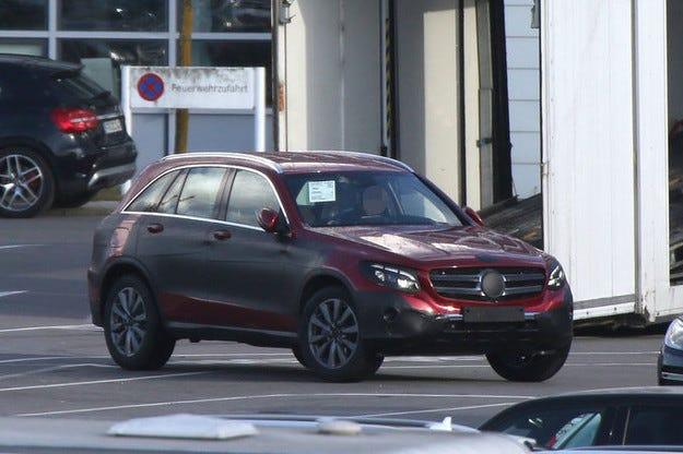 Mercedes GLC без камуфлаж: Наследникът на GLK